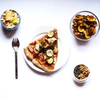 Pizza, courgettes provençales & céleri