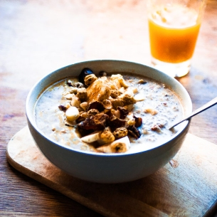 Apple-pie raw Porridge & caramel au beurre salé